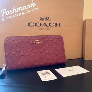 Coach Wallet in Signature Leather- NWT